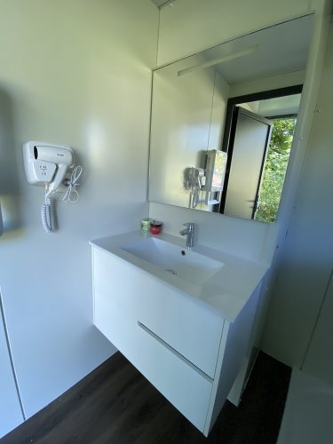 Emplacement glamping lavabo
